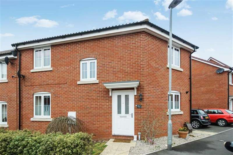 3 Bedrooms Semi Detached House for sale in Blain Place, Royal Wootton Bassett