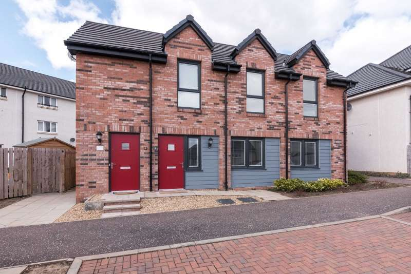 1 Bedroom Flat for sale in South Chesters Lane, Bonnyrigg, Midlothian, EH19 3GL