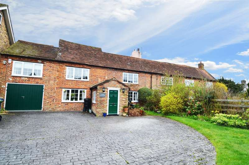 4 Bedrooms Semi Detached House for sale in Sedgmoor Road, Flackwell Heath, HP10