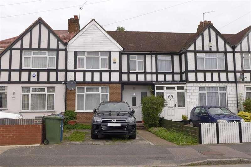 3 Bedrooms Terraced House for sale in Talbot Road, Harrow Weald, Middx