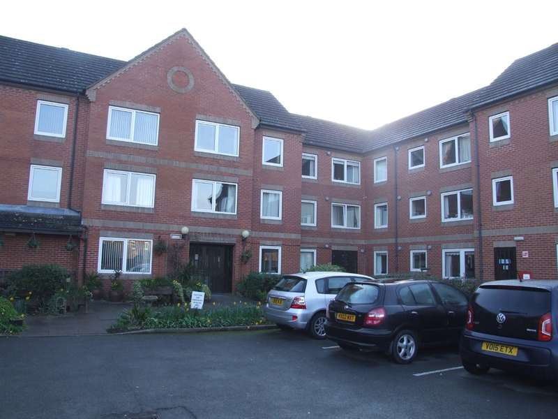 1 Bedroom Ground Flat for sale in St. Marys Road, Evesham