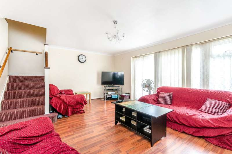 3 Bedrooms House for sale in Wynton Gardens, South Norwood, SE25