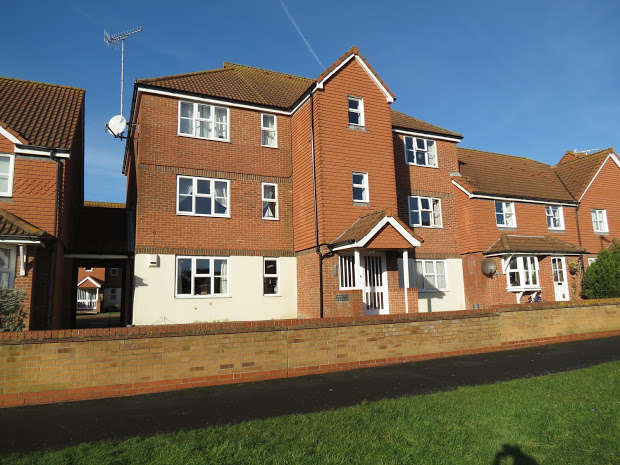 2 Bedrooms Apartment Flat for sale in EASTBOURNE, Eastbourne, East Sussex, BN23