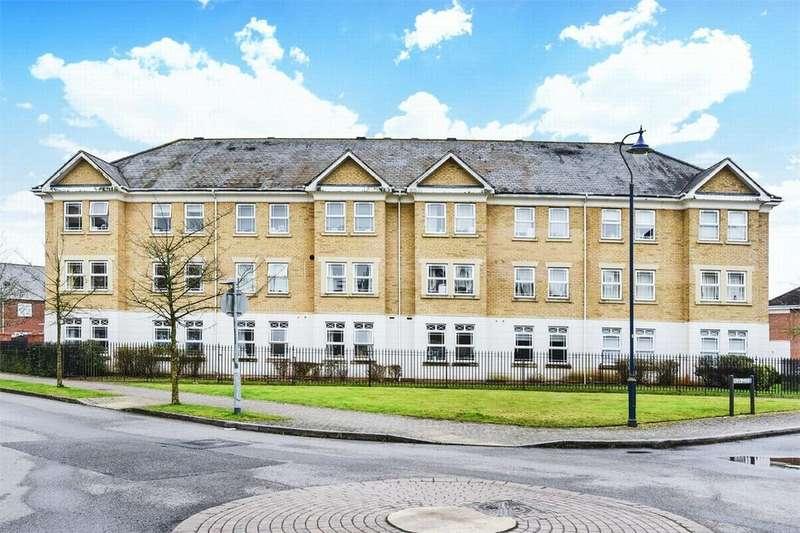 2 Bedrooms Flat for sale in Suffolk Court, Deepcut, Camberley, Surrey