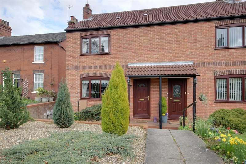 2 Bedrooms Terraced House for sale in The Moorings, North Ferriby