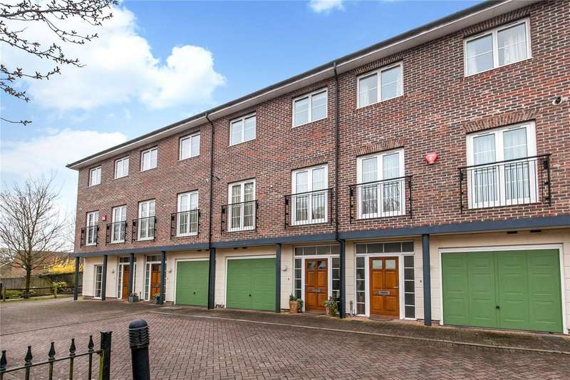 3 Bedrooms Terraced House for sale in Bath Place, Winchester, Hampshire, SO22
