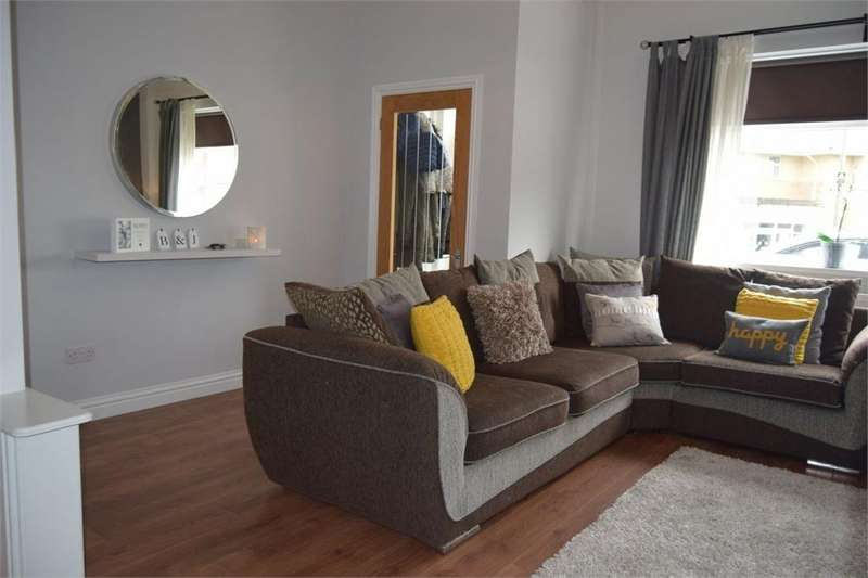 3 Bedrooms Semi Detached House for sale in William Street, Blackwood