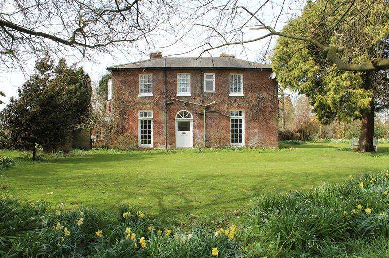 4 Bedrooms Detached House for sale in Rural Paddock Wood