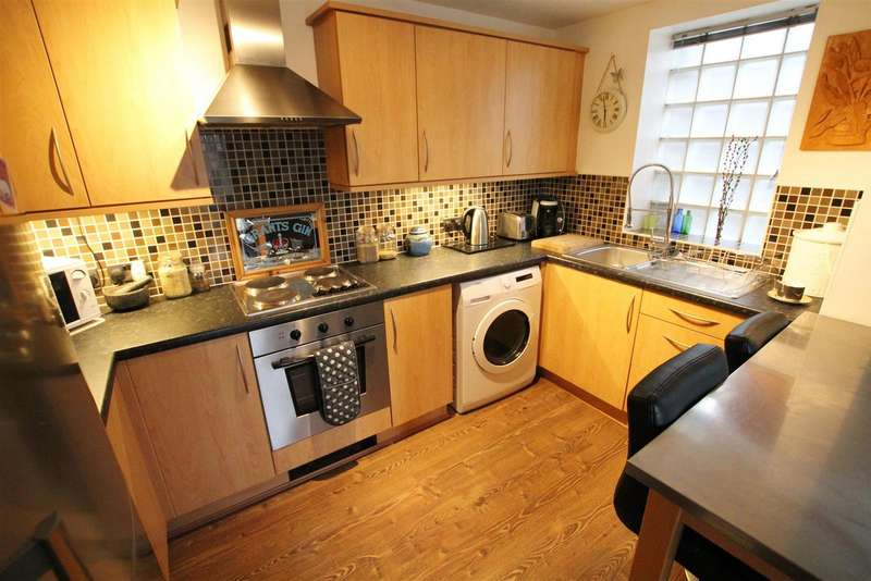 2 Bedrooms Apartment Flat for sale in Barons Court, Burton