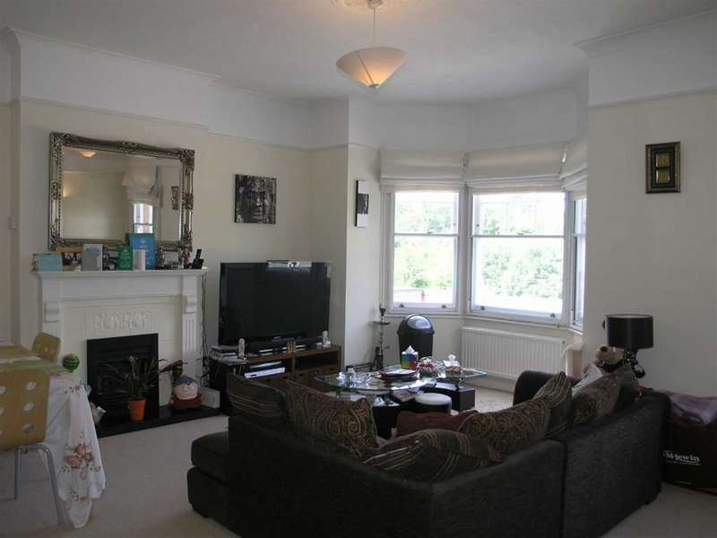 2 Bedrooms Flat for rent in Hoppers Road, Winchmore Hill