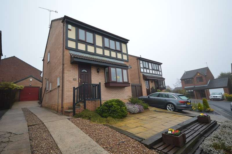 3 Bedrooms Detached House for sale in Woodmoor Rise, Crigglestone, Wakefield