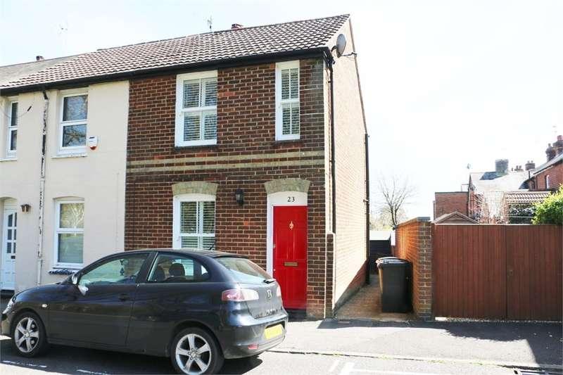 2 Bedrooms End Of Terrace House for sale in Deep Lane, Basingstoke, RG21