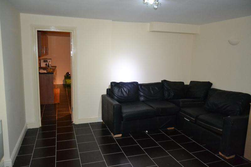 11 Bedrooms Flat Share for rent in F1 56 - 58, Colum Road, Cathays , Cardiff , South Wales, CF10 3EH