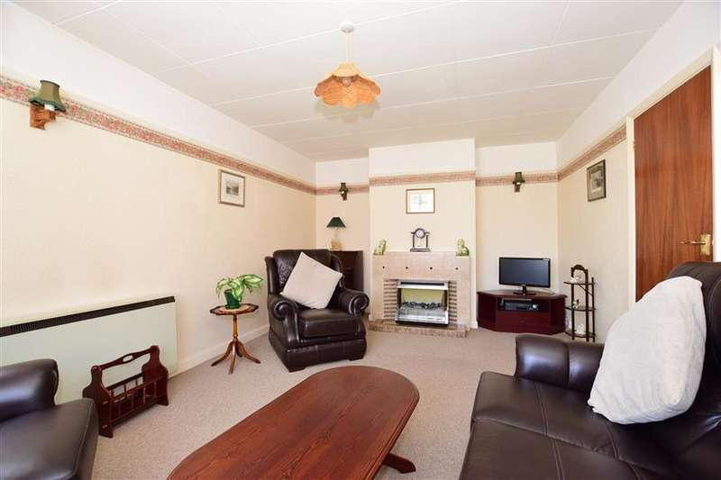 2 Bedrooms Detached Bungalow for sale in Halberry Lane, Newport, Isle of Wight