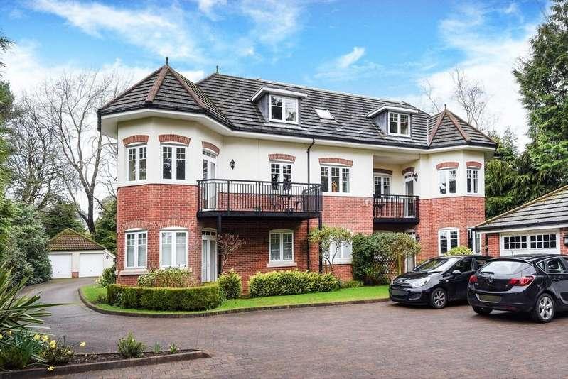 2 Bedrooms Penthouse Flat for sale in Golf Links Road, Ferndown