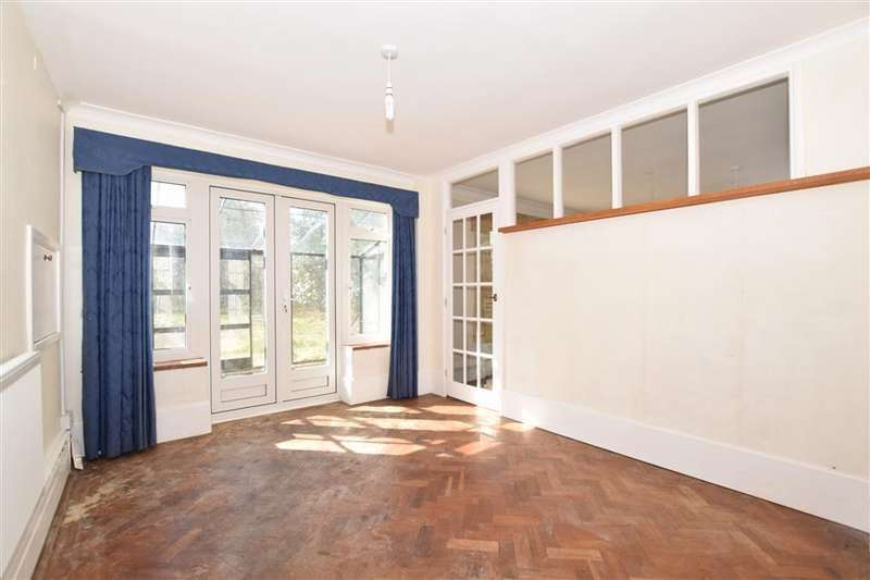 4 Bedrooms Detached House for sale in Salts Avenue, Loose, Maidstone, Kent