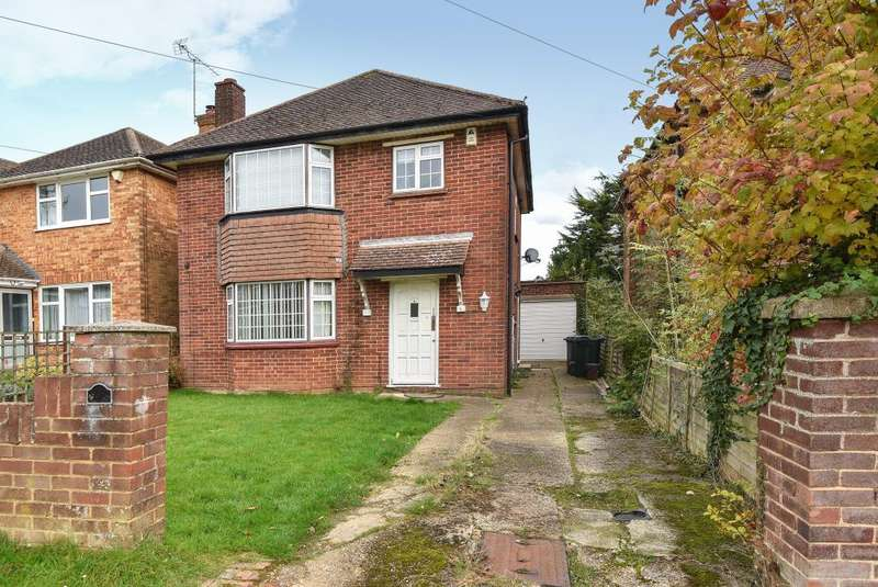 3 Bedrooms Detached House for sale in High Wycombe, Buckinghamshire, HP12