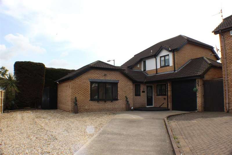4 Bedrooms Detached House for sale in Moorhead Close, Wrexham, LL13