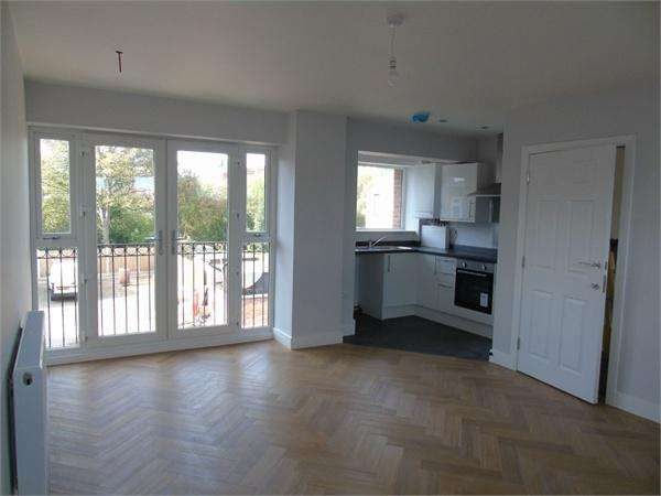 2 Bedrooms Flat for sale in Bulkington Road, Bedworth, Warwickshire