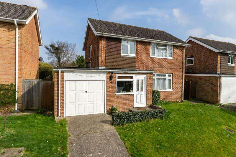 4 Bedrooms Detached House for sale in Lincoln Green, Chichester