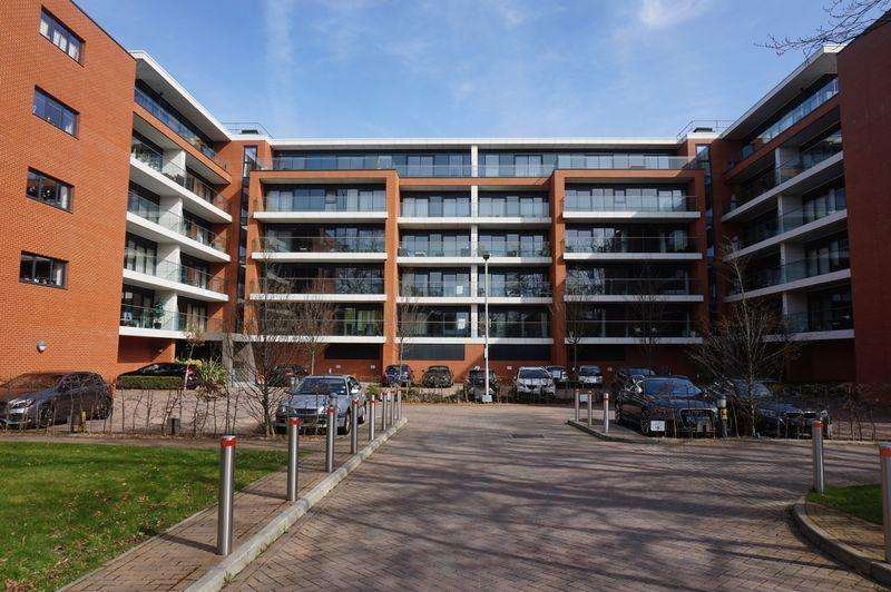 1 Bedroom Apartment Flat for sale in Racecourse Road, Newbury