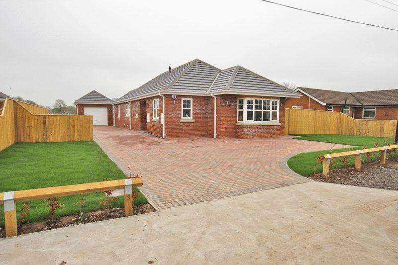 3 Bedrooms Detached House for sale in EASTFIELD LANE, GRIMOLDBY
