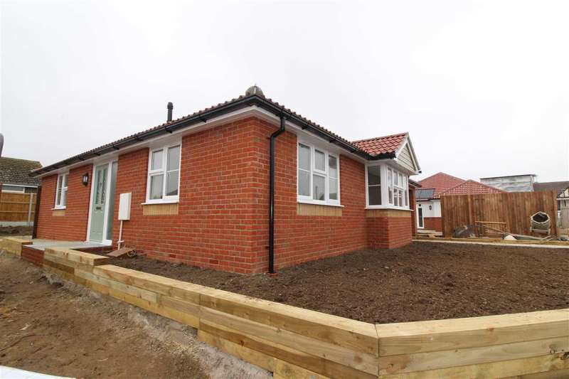 2 Bedrooms Property for sale in Kirby Road, Walton-on-the-Naze