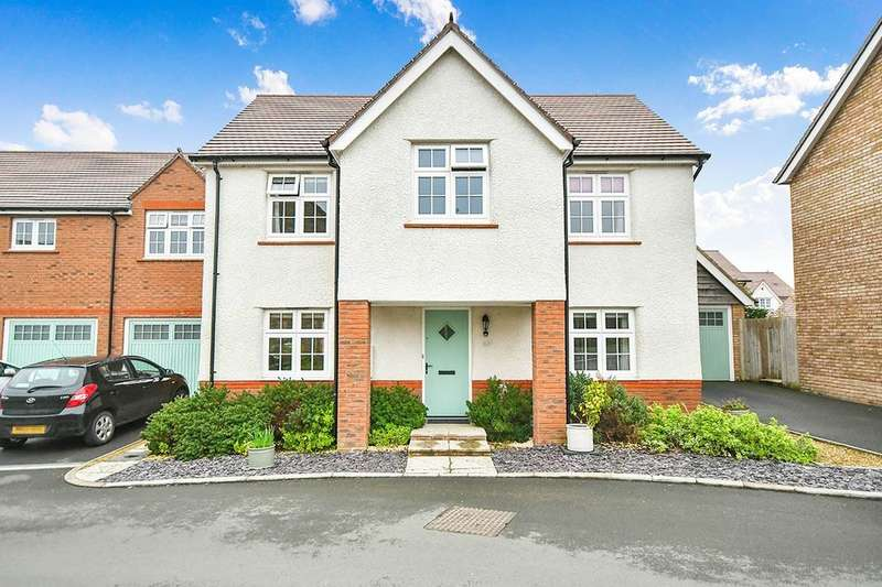 4 Bedrooms Detached House for sale in York Road, Calne, SN11