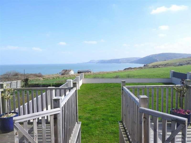 3 Bedrooms Semi Detached Bungalow for sale in Heol Y Graig, Aberporth, Cardigan