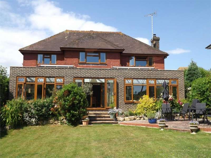 4 Bedrooms Detached House for sale in Clavering Walk, Cooden, Bexhill-on-Sea, East Sussex