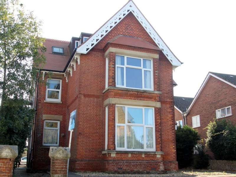 2 Bedrooms Ground Flat for sale in Arundel Road, Littlehampton