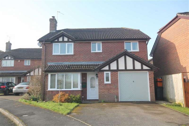 4 Bedrooms Detached House for sale in Saddleback Road, Ramleaze, Swindon