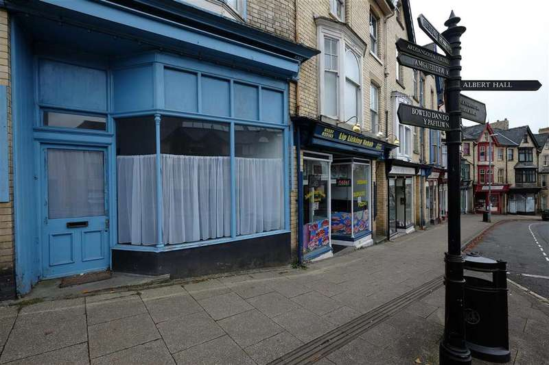 Shop Commercial for rent in Park Crescent, Llandrindod Wells