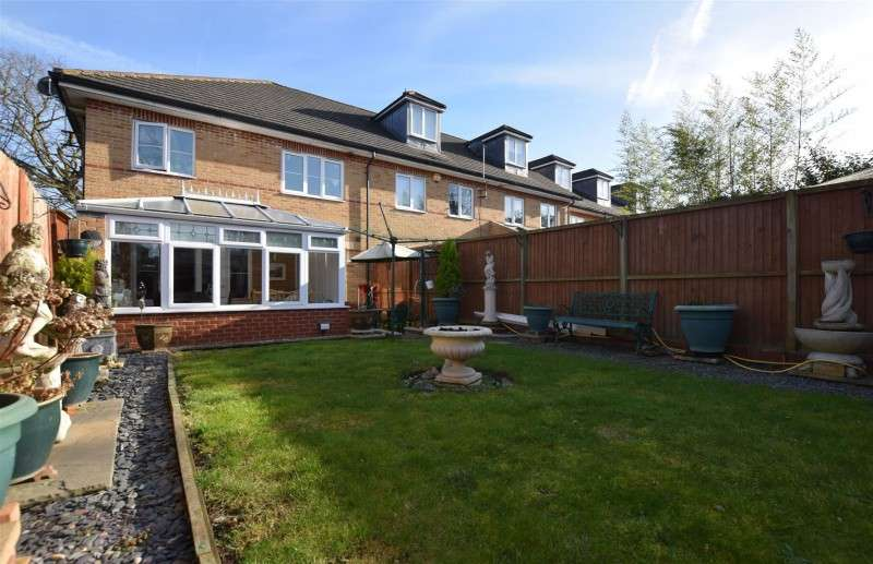 1 Bedroom Property for sale in Brooklands Place, Hampton Hill