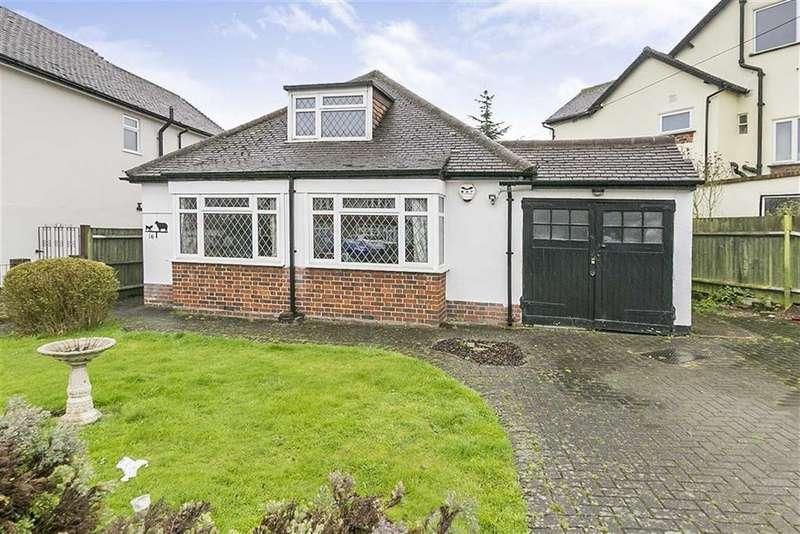 2 Bedrooms Detached Bungalow for sale in Glenwood Road, Stoneleigh, Surrey