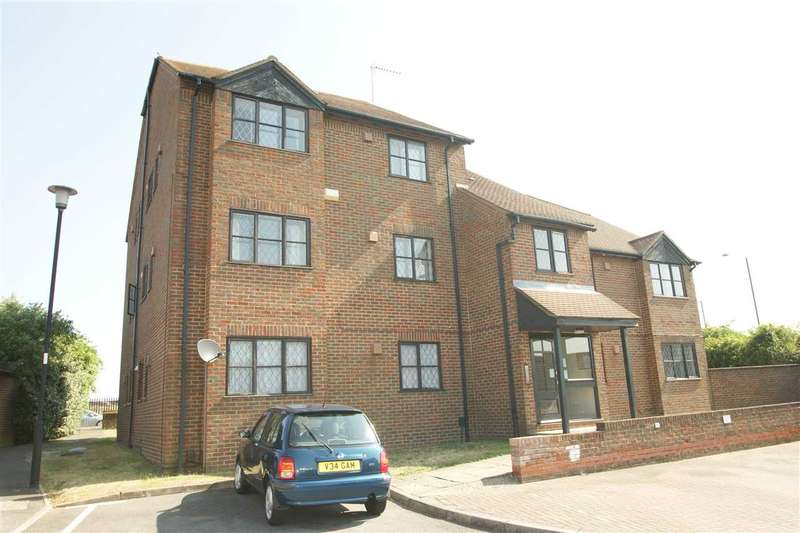 1 Bedroom Apartment Flat for sale in Raleigh Close, Windsor Meadows, Cippenham