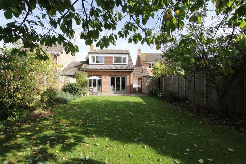 4 Bedrooms Link Detached House for sale in The Strouds, Beenham, Reading, RG7