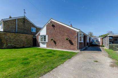 3 Bedrooms Bungalow for sale in Great Eversden, Cambridge