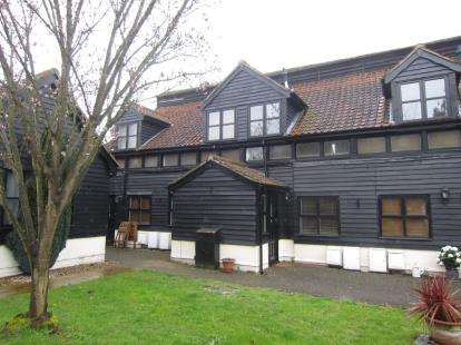 1 Bedroom Terraced House for sale in Coxtie Green Road, Pilgrims Hatch, Brentwood