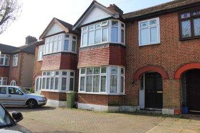 3 Bedrooms Terraced House for sale in Barkingside