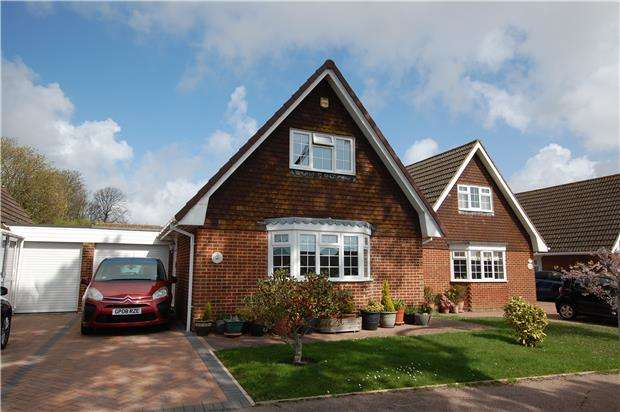 3 Bedrooms Detached House for sale in Falconbury Drive, BEXHILL-ON-SEA, East Sussex, TN39 3UW