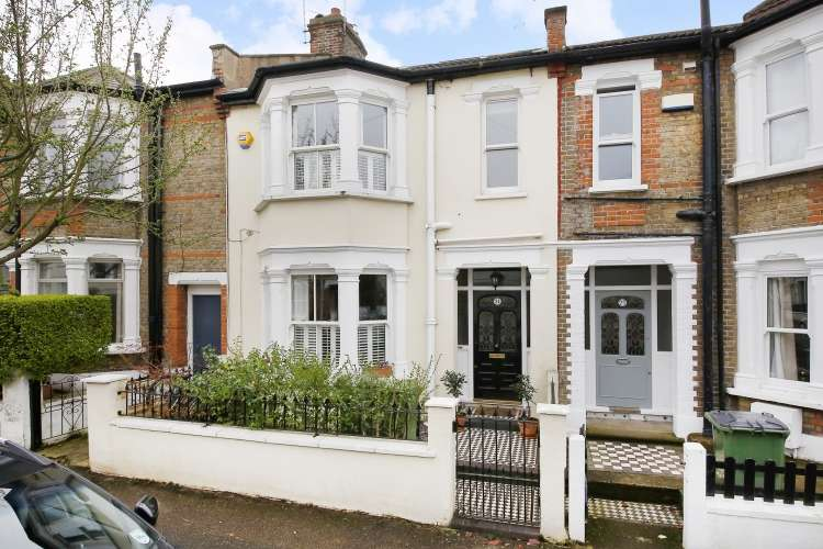 4 Bedrooms Terraced House for sale in Sandtoft Road Charlton SE7