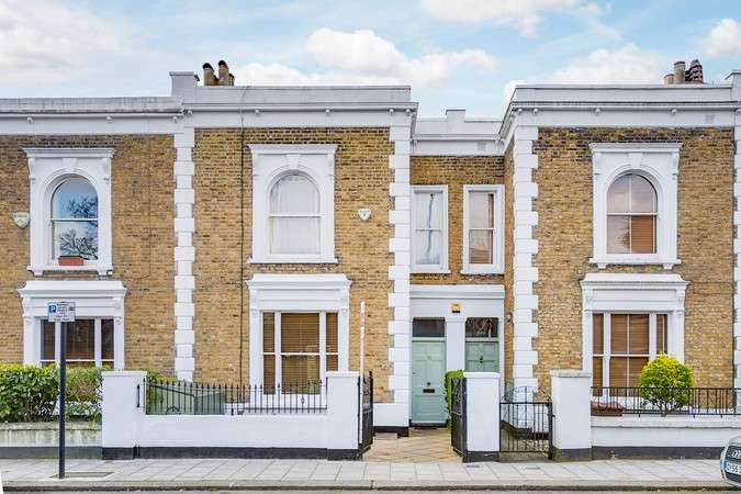3 Bedrooms Terraced House for sale in Wellesley Road, Chiswick