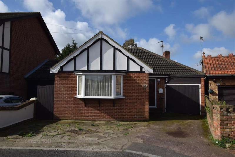 2 Bedrooms Bungalow for sale in Westerland Avenue, Canvey Island