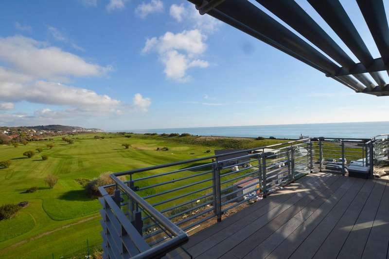3 Bedrooms Penthouse Flat for sale in Imperial Green, Hythe, Kent