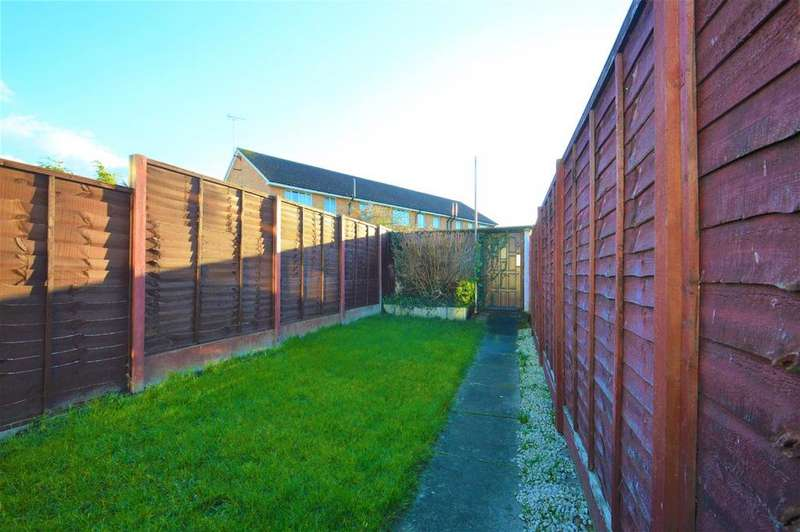 2 Bedrooms Terraced House for sale in Stanhope Road, Swanscombe