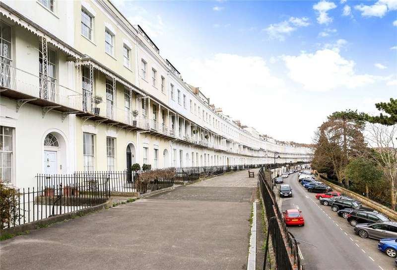 2 Bedrooms Flat for sale in Royal York Crescent, Clifton, Bristol, BS8