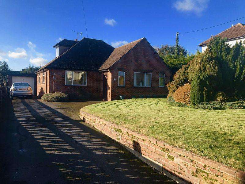 4 Bedrooms Detached House for sale in Plomer Green Lane, Downley