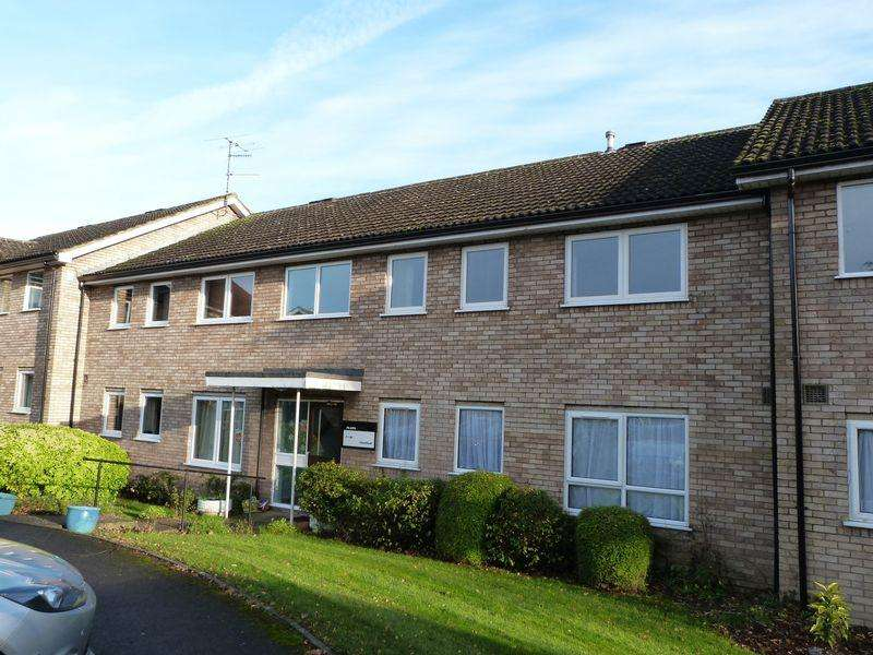 2 Bedrooms Apartment Flat for sale in Chalford Flats, Wooburn Green
