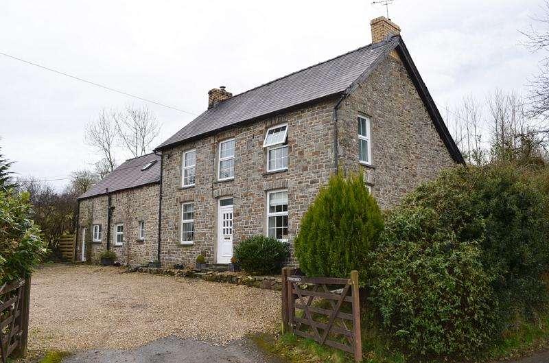 4 Bedrooms Land Commercial for sale in Llwyndewi , Rhydowen, Llandysul, Ceredigion. SA44 4QF